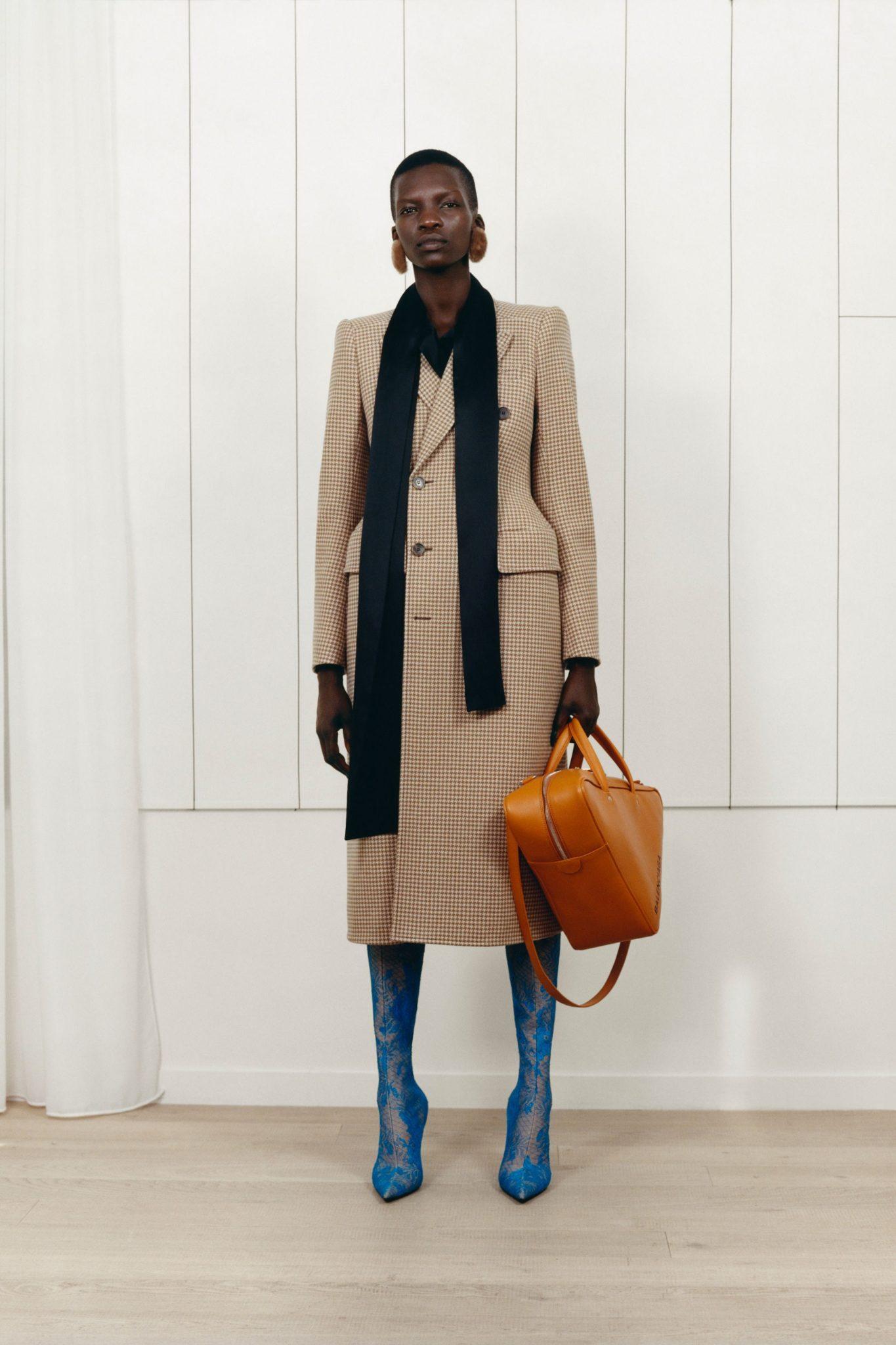 Outfit Ideas November 2017 - Balenciaga Pre-Fall 2017