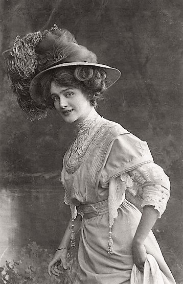 With Lily Elsie The Trend Of Oversized Hats Peaked In Popularity And It Went From A Fashionable Detail To Fashion Dress Code