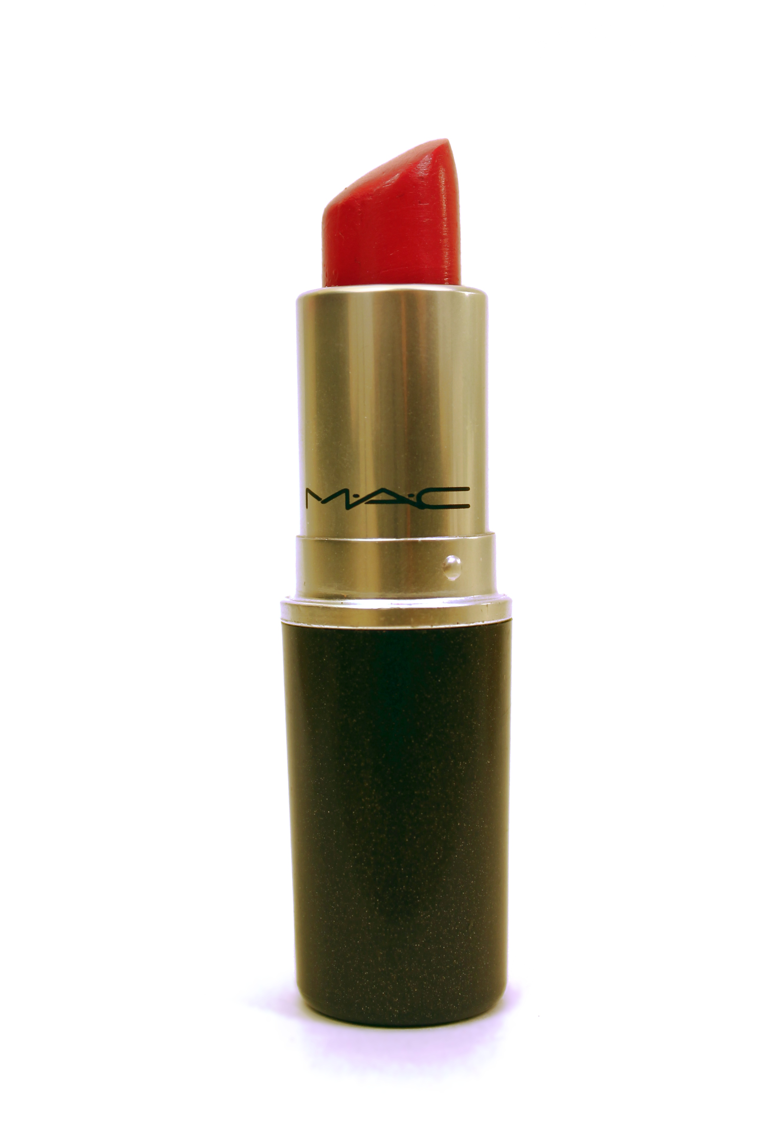 20111112185929!MAC_pink_lipstick_(1)