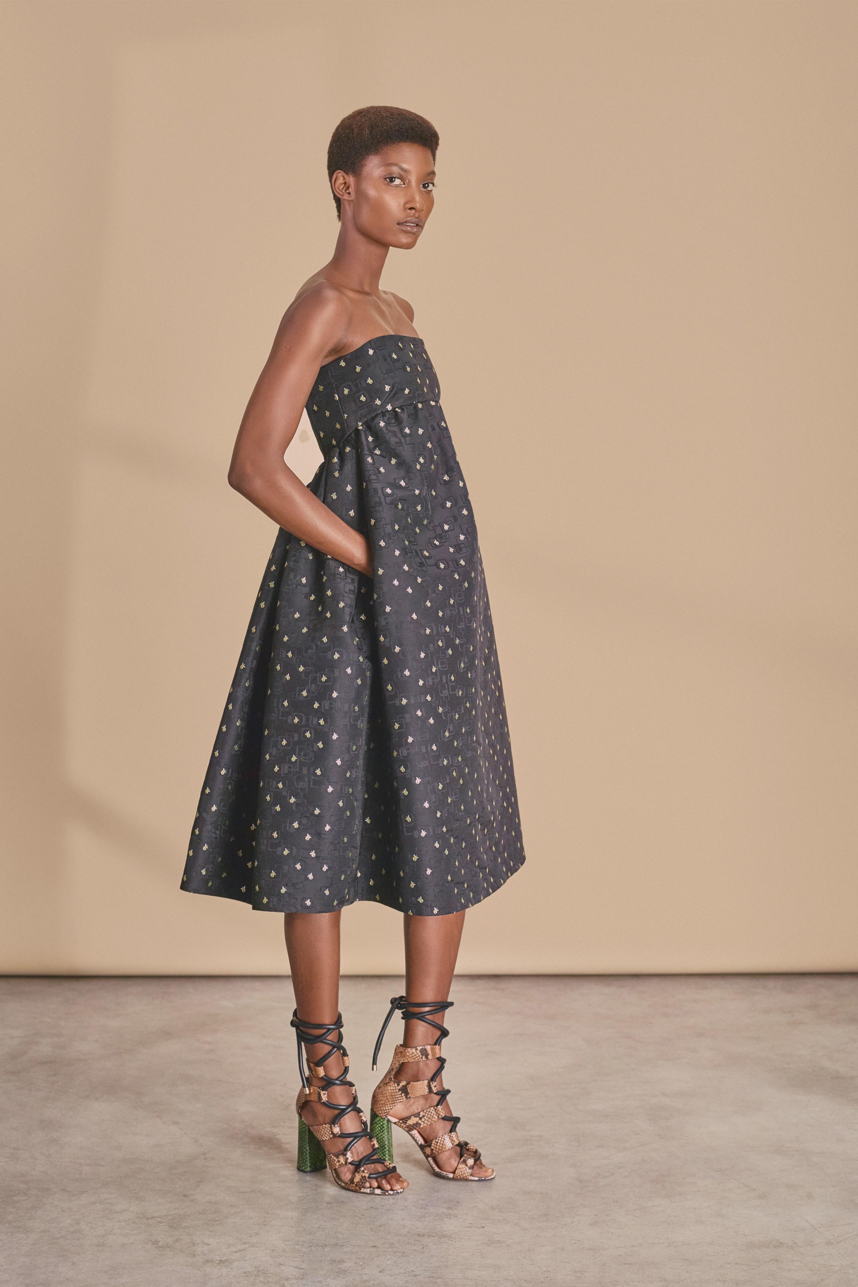 Voluminous Dress Spring 2019 High heels snake print black dress rochas 2019
